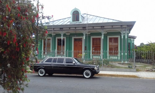 vintage-green-mansion-San-Jose-COSTA-RICA-LIMOUSINE.jpg