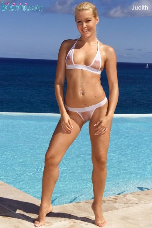 Judith-Rakers-Bikini-03.jpg